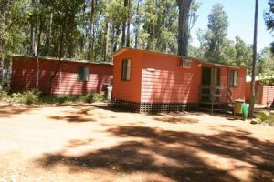 Dwellingup Chalets And Caravan Park - Accommodation Adelaide