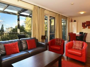 Villa Cypress located within Cypress Lakes - Accommodation Adelaide