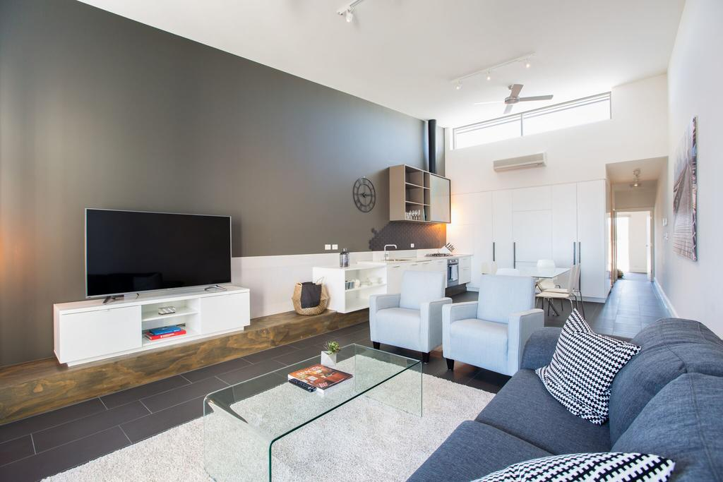 Magnificent Apartment + FREE Car Park Near CBD - Accommodation Adelaide