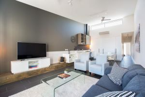 Magnificent Apartment  FREE car park near CBD - Accommodation Adelaide